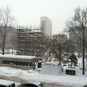 札幌雪祭り 1月6日 大雪像 雪が積まれてまーす